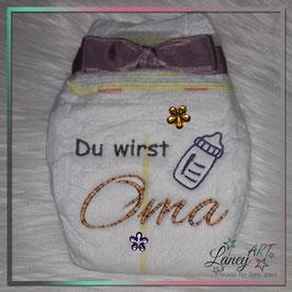 """Bestickte Windel - """"Oma & Babyflasche"""" (Wunschfarbe)"""