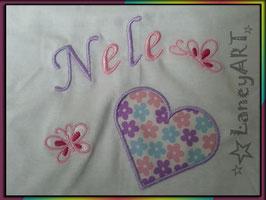"Kinder-Shirt ""NAME & Herz mit Schmetterlinge"""