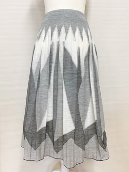 【新着】商品番号IS-9822-2W 幾何柄スカート(ホワイト系)