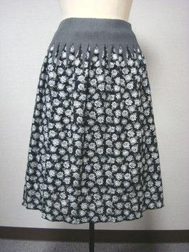 商品番号IS-8975-8W ボーダーバラ柄スカート
