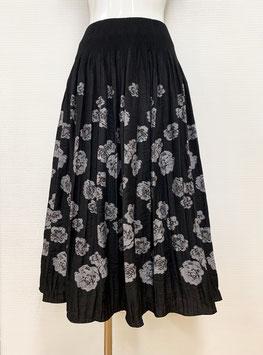 商品番号IS-9874-2WB-A バラ柄スカート(ブラック)