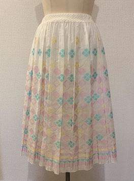 商品番号IS-8566-1W ダイヤ柄スカート(白×ピンク)