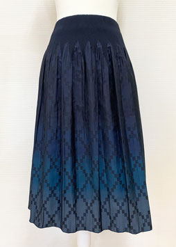 【新着】商品番号IS-9824-3W グラデーション市松ダイヤ柄スカート(ブルー系)