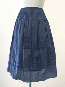 商品番号IS-8949-2W  サモア柄スカート(紺)