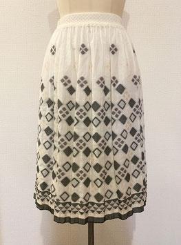 商品番号IS-8566-1W ダイヤ柄スカート(白×黒)