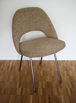 Eero Saarinen Konferenzstuhl 71 (Executive Armless Chair)