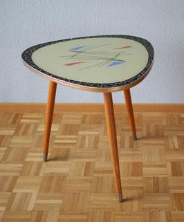 50er Jahre Dreiecktisch mit Glasplatte