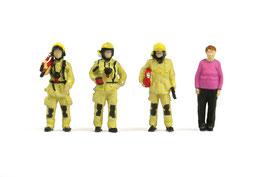 No.Fs07 Firemen & Old Woman