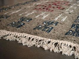 Tapis berbère kilim ethnique gris en laine