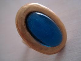 Capri-blauer Fingerring oval