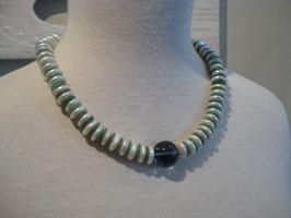FLUORIT &  BIWA-Perle  & grüner AVENTURIN im Reigen
