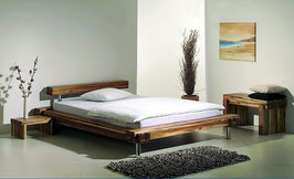 Massivholz Designerbett Caracas aus Akazienholz