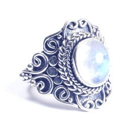 Ring zilver met edelsteen 009