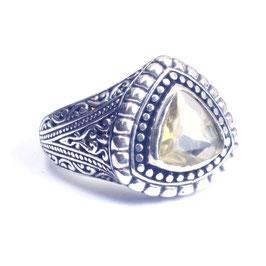 Ring zilver met edelsteen 021