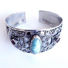 Zilveren armband met edelstenen