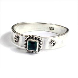 Ring zilver met groene kwarts