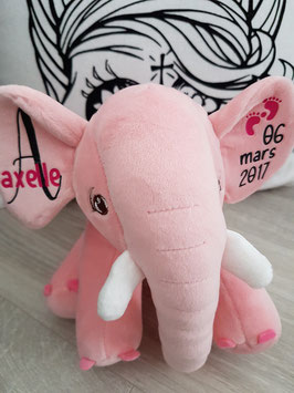 Peluche éléphant rose