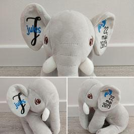 Peluche éléphant garçon