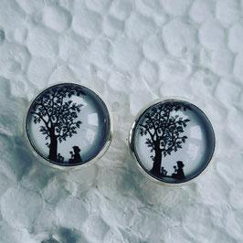 12 mm Metall Mädchen und Baum schwarz weiß