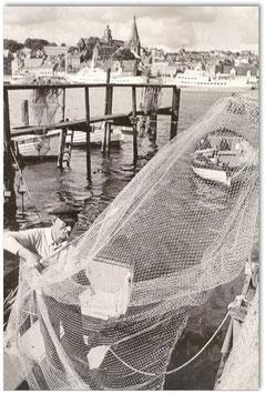 Fischer. Ein sehr seltenes Bild. Hafen Flensburg 1975 von Joachim Metschies