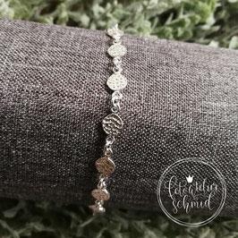 Armkette mit gehämmerten Silberplaketten 4930