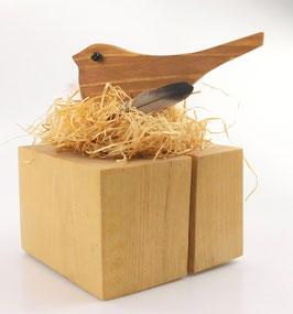 Vogelnest auf Holzsockel klein