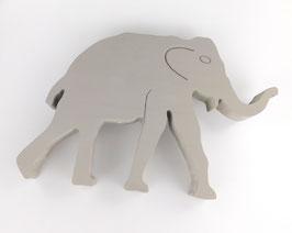 Elefant aus Holz