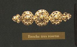 Broche tres rosetas