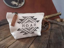 Personalisierte Canvas-Tasche, beige, Aztekenmuster, Lederanhänger