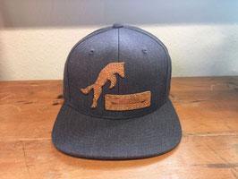 """Snapback Cap (grau) Unisex, punziertes Leder-Patch """"Fuchs"""""""