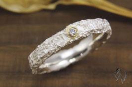 Schmaler Ring Silber 925/- mit Brillant, Zerknittert