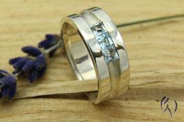 Ring Silber mit synthetischen Topas