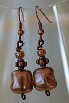 Boucles d'oreilles en verre baroque marron