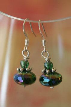 Boucles d'oreilles facettes irisées vert vif