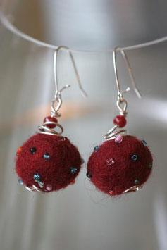 Boucles d'oreilles en laine bouillie prune