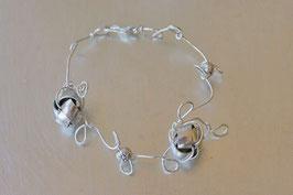 Bracelet fleurs de métal gris argenté