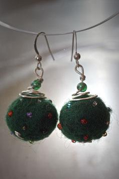 Boucles en laine bouillie vert sapin
