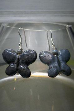 Boucles d'oreilles céramique papillon gris