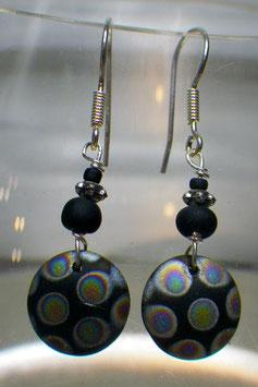 Boucles d'oreilles en perles de bohême noires à pois