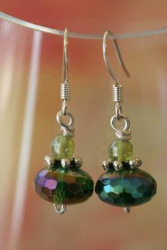 Boucles d'oreilles facettes irisées vert anis