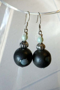 Boucles d'oreilles boule céramique grise raku