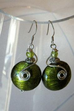 Boucles d'oreilles bombées vert olive