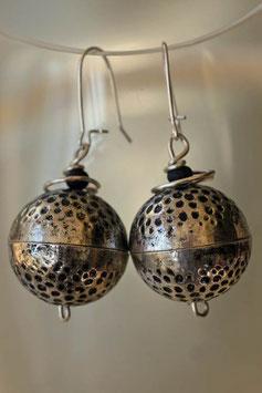 Boucles d'oreilles en boule de métal martelé