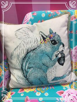 Eichhörnchen kissen by GINGER