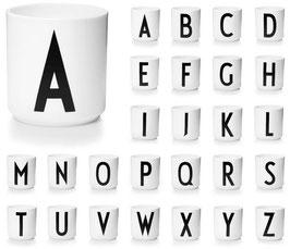 DESIGN LETTERS Buchstabenbecher weiß A-Z (bitte wählen)