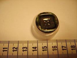 Knopf 4 Loch mit Struktur 23mm kn24