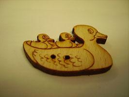 Holzknopf 2 Loch  Ente mit Küken 34mm