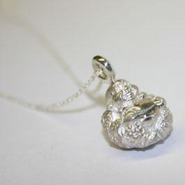 Lucky Buddha mit Silberkette