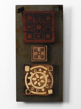 Bras. Quadro etnico. Composizione in metallo e legno. Tavolette magnetiche componibili.