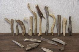 18 Stück Treibholz / Schwemmholz
